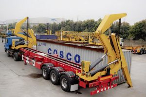 container-side-loader-2