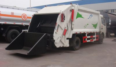 garbage-compactor-truck-4