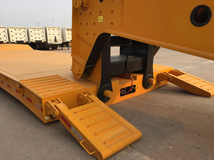 Difference between Lowboy Trailer and RGN trailer – What is RGN trailer?