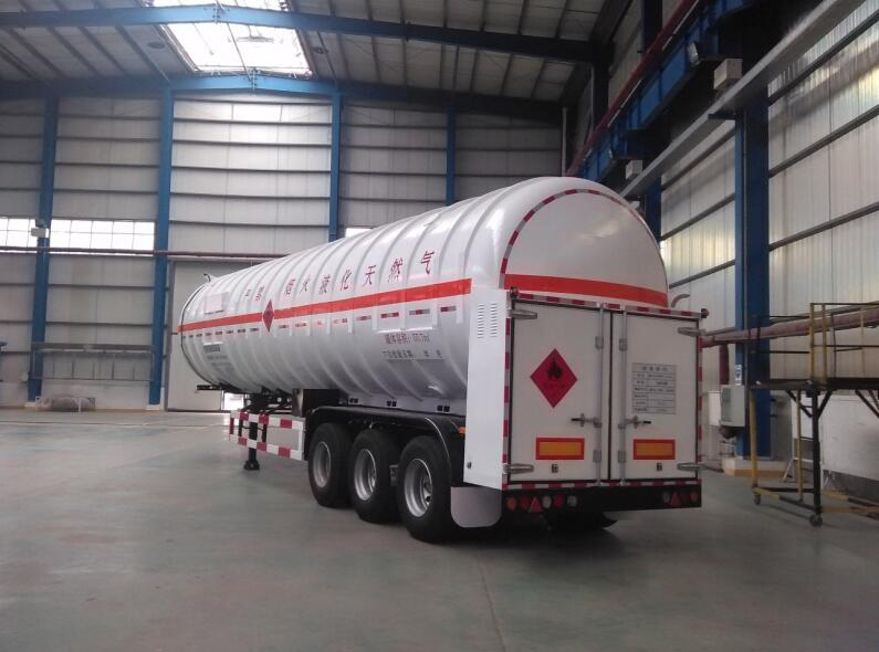 The Differences Between LPG And LNG Tanker Trailers